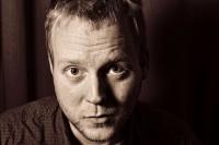 Robin Smets schöpft aus seiner Erfahrung aus dem Theaterbereich, um mit Euch ins Kreative Schreiben einzutauchen